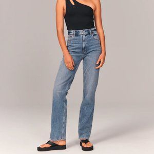 Abercrombie 90's Ultra High Rise Straight Jeans - BNWT